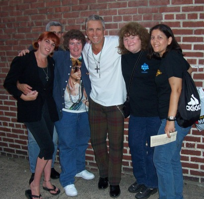 NEIL!!! and fans at Keswich Theater