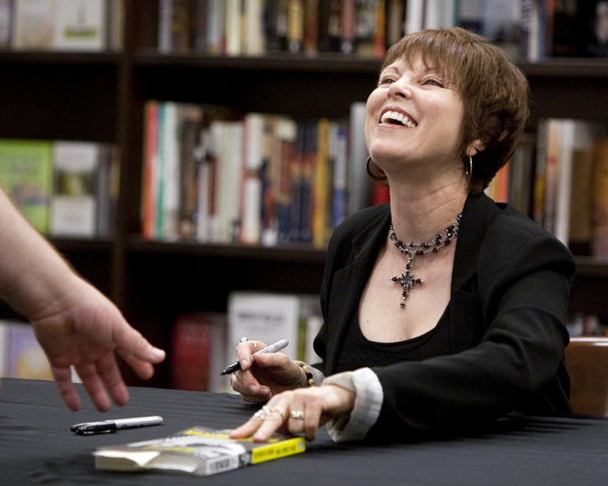 pat at book signing in grand rapids