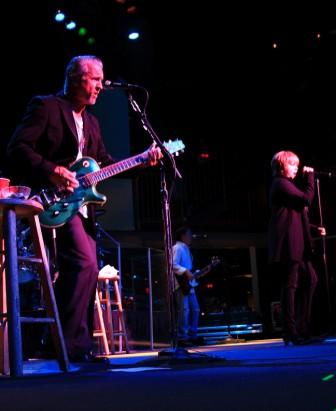 Neil Giraldo & Pat Benatar,photo by Jim Hendershot 6/24/08
