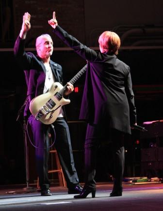 Neil Giraldo & Pat Benatar, photo by Jim Hendershot 6/24/08