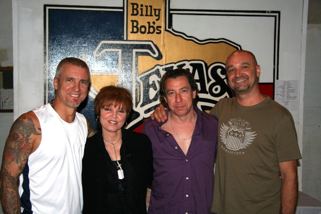NEIL!!!, Pat,Mick and Chris,backstage at billybob's !