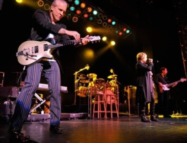 pat benatar with neil giraldo, fox theater in salinas CA, ©Brittany Durgin  7/25/08